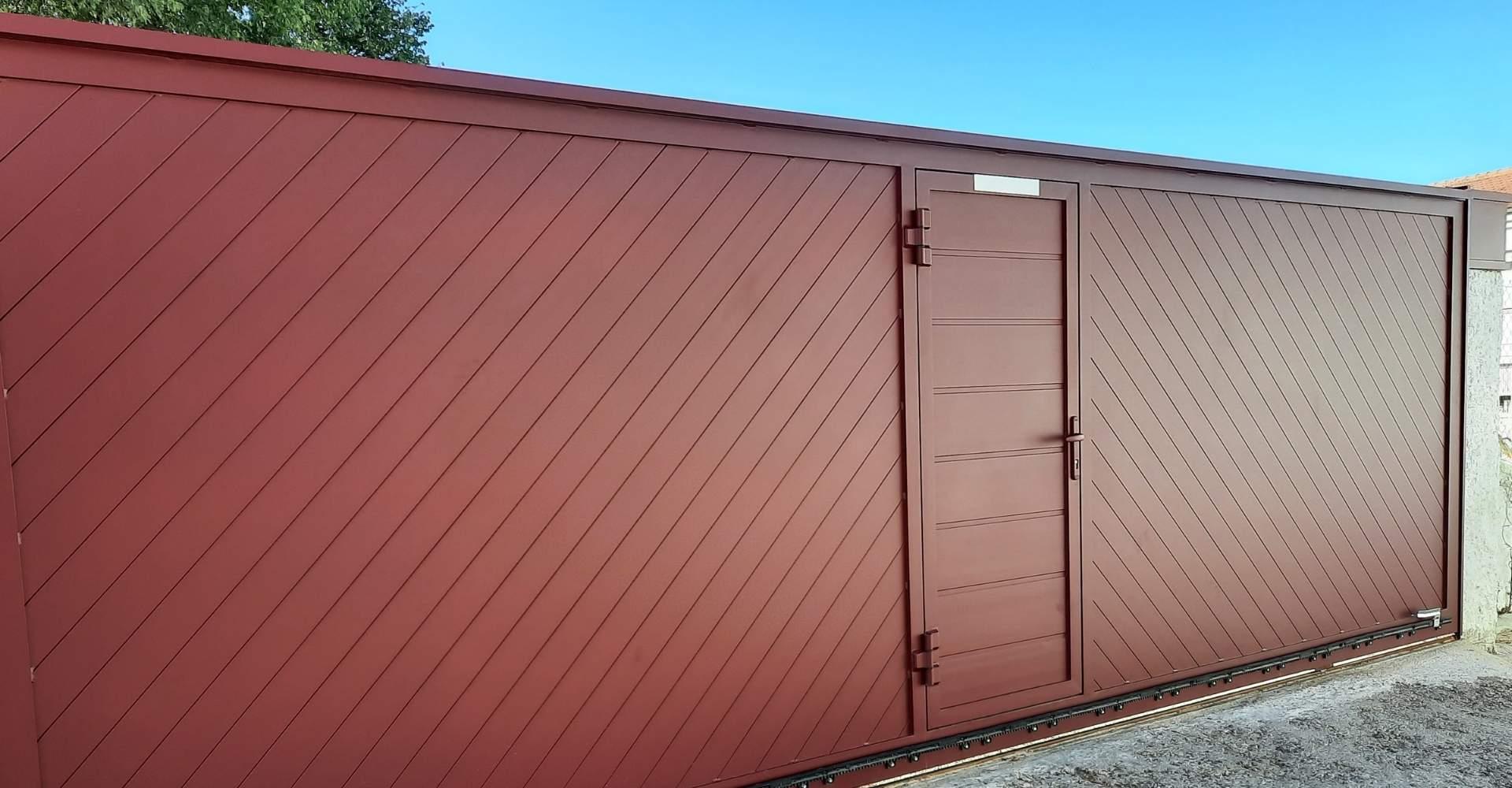 puerta lacada al horno, resultado de pintura lacada, aluminio